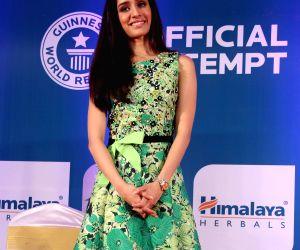 Shraddha Kapoor at Himalaya Herbals attempt of Guinness Book of World Records