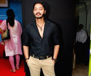 Shreyas Talpade at Sata Lota music launch