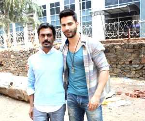 Varun Dhawan and Nawazuddin Siddiqui on the sets of Savdhaan