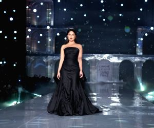 Kareena brings LFW 2019 curtains down