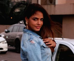Neetu Chandra extends support for cancer patients