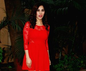 Sophie Choudry during the announcement of her plan New Year's eve