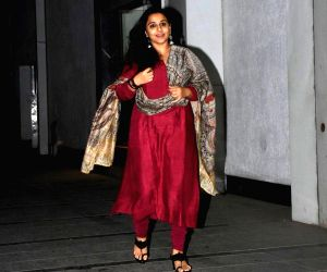 Mumbai: Actress Vidya Balan seen outside her husband and producer Siddharth Roy Kapur's office in Mumbai, on May 6, 2019. (Photo: IANS)