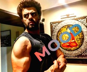 Maniesh Paul reveals his lockdown fitness mantra