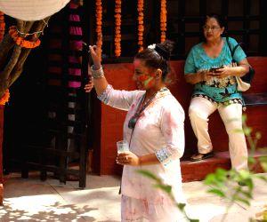 Javed Akhtar and Shabana Azmi's Holi celebrations