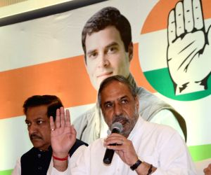 Anand Sharma objects to alliance with ISF in Bengal