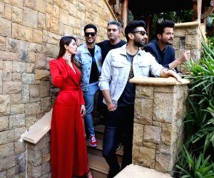 Amruta Khanvilkar is all praise for 'Malang' co-star Kunal Kemmu
