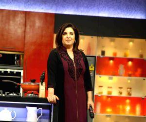 Color TV new cookery show, Farah Ki Daawat