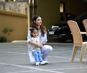 Motherhood is a life changing experience: Soha