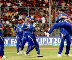 IPL - Royal Challengers Bangalore vs Mumbai Indians