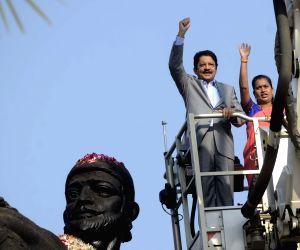 Maharashtra Governor, Mumbai Mayor pay tribute to Shivaji
