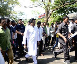 Raj Thackeray visits Aarey Milk Colony