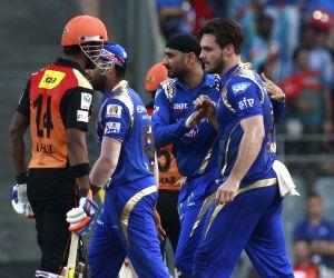 IPL - 2015- Sunrisers Hyderabad vs Mumbai Indians