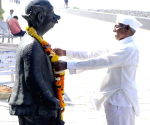 Mumbai: Tribute to cartoonist R K Laxman
