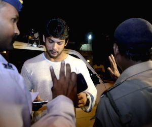 Police stops Siddharth Shukla for security check