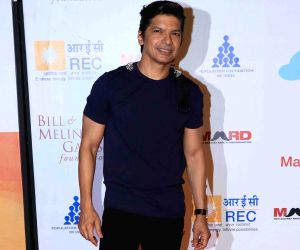 Shaan unveils his new song 'Main tujhko yaad karta hoon'