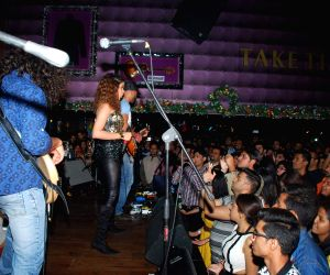 Live performs of singer Shalmali Kholgade