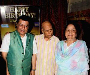 Khayyam donates to Federation of Western India Cine Employees