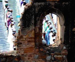 Muslims celebrate Eid-ul-Fitr at Jama Masjid