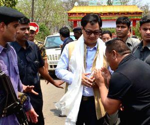 Kiren Rijiju visits Tibetan settlement
