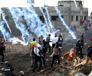 Nablus (West Bank): Clashes between Palestinian protesters and Israeli soldiers