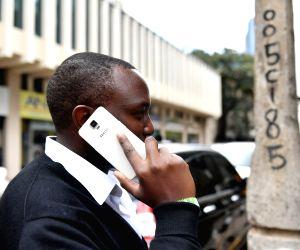 KENYA-NAIROBI-CHINESE MOBILE PHONE