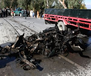 Nangarhar (Afghanistan): Car bombing