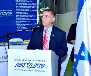 Naqueri (Goa): Defence Expo 2016 - Suresh Prabhu with Israeli Ambassador