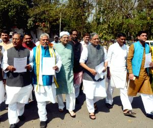 NDA leaders' march towards Raj Bhawan
