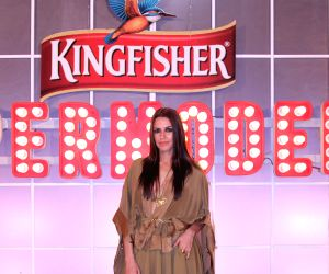 Indian supermodels get bitten by Bollywood bug: Neha Dhupia ()