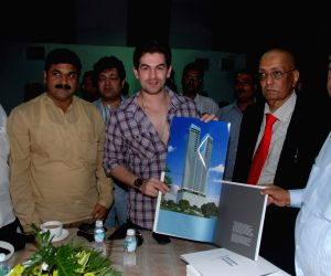 Neil Nitin Mukesh launches Lokhandwala Builders Minerva at Mhalaxmi.