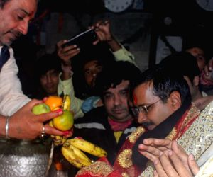 AAP leader Arvind Kejriwal during his visit to Kalka Temple