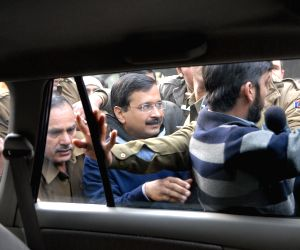 New Delhi: Arvind Kejriwal files his nomination papers