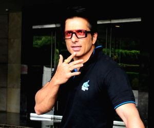 Sonu Sood gets nostalgic as 'Simmba' turns one