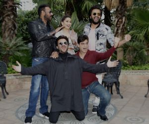 """New Delhi: Actors Ajay Devgn, Anil Kapoor, Riteish Deshmukh and Madhuri Dixit with director Indra Kumar at the promotional interview of their upcoming film """"Total Dhamaal"""" in New Delhi, on Feb 18, 2019. (Photo: Amlan Paliwal/IANS)"""
