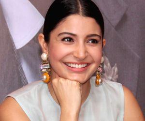 Anushka Sharma watches India-New Zealand match from hotel balcony