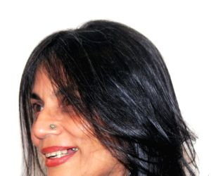 Nilofer Suleman during an art exhibition