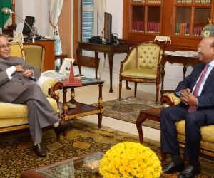 Bangladesh Minister calls on President Mukherjee