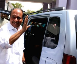 New Delhi: Congress leader A K Antony leaves after Congress Working Committee meeting in New Delhi, on April 17, 2015. (Photo: IANS)