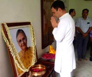 New Delhi: Congress leader Rahul Gandhi pays tributes to late former Delhi Chief Minister Sheila Dikshit, in New Delhi on July 26, 2019. (Photo: IANS)