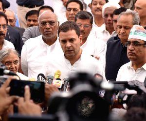 :New Delhi: Congress President Rahul Gandhi along with party leaders Sheila Dikshit, Mallikarjun Kharge, Ashok Gehlot and Ajay Maken, talks to the press during the Congress' day-long ...