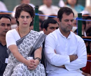 New Delhi: Congress President Rahul Gandhi, General Secretary (Uttar Pradesh East) Priyanka Gandhi Vadra during a ceremony to pay homage to their father, former Prime Minister Rajiv Gandhi on his death anniversary, in New Delhi, on May 21, 2019. (Pho