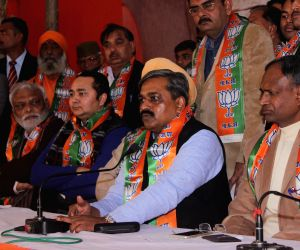 Satish Upadhyay welcomes new party members