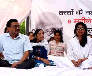 :New Delhi: Delhi Chief Minister Arvind Kejriwal meets Delhi Commission for Women (DCW) Chairperson Swati Maliwal who is sitting on an indefinite hunger strike to press for death penalty for ...
