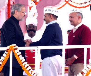 Kejriwal and his ministers take oath at Ramlila Maidan