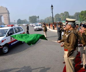 Delhi Police Commissioner flags-off new interceptor vehicles