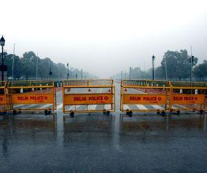 New Delhi: Rainy morning in national capital