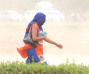 Dust storm hits New Delhi