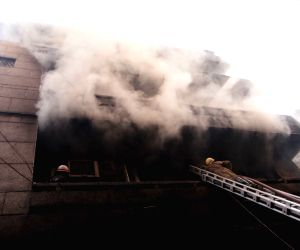 Fire breaks out at Gandhinagar market