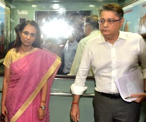 New Delhi: Former ICICI Bank chief Chanda Kochhar and her husband Deepak Kochhar arrive to appear before the Enforcement Directorate (ED) in connection with the Rs 1,875-crore Videocon loan case in New Delhi on May 13, 2019. (Photo: IANS)